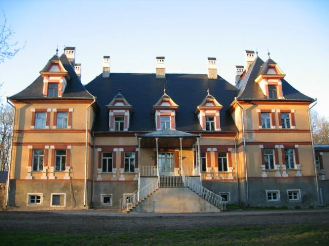 Mooste Manor