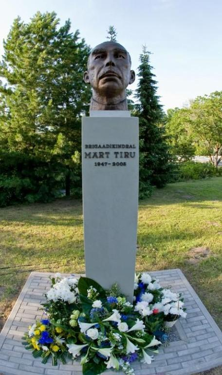 Portrait sculpture of Brigadier-General Märt Tiru