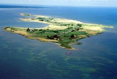 Manija Island, also known as Manilaid