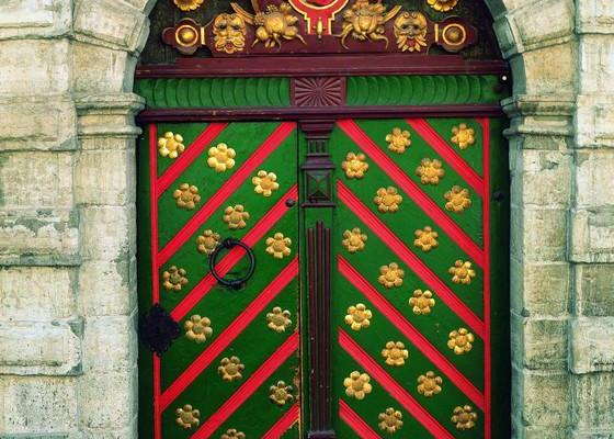 Front door of the House of Blackheads