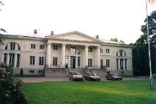Saku Manor