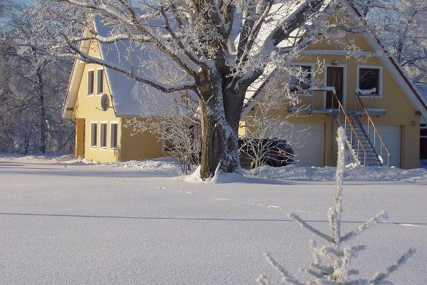 House in the winter, River Rose Guesthouse in Tori Parish in Pärnu County on the edge of Soomaa