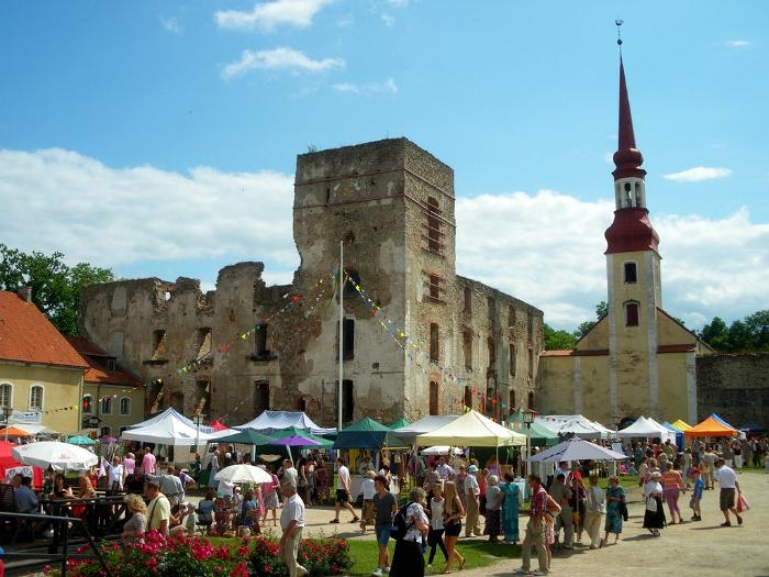 Põltsamaa castle festival in Estonia