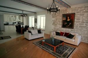 OldHouse guest apartments: Living room of 3-bedroom apartment 2