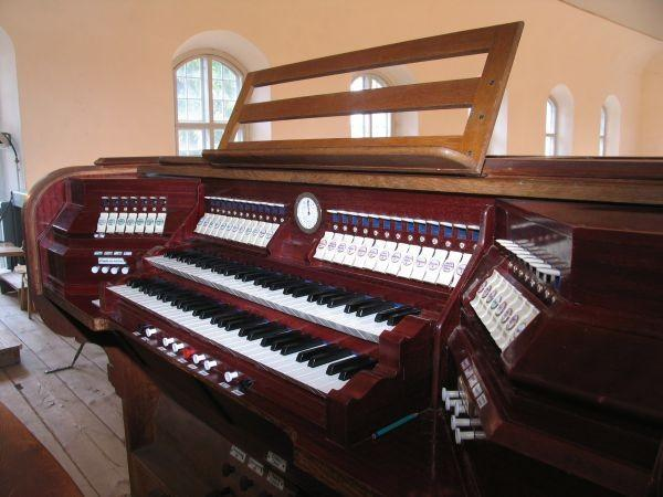 31-register organ built by the Kriisa brothers in St. Mary's Church in Rõuge