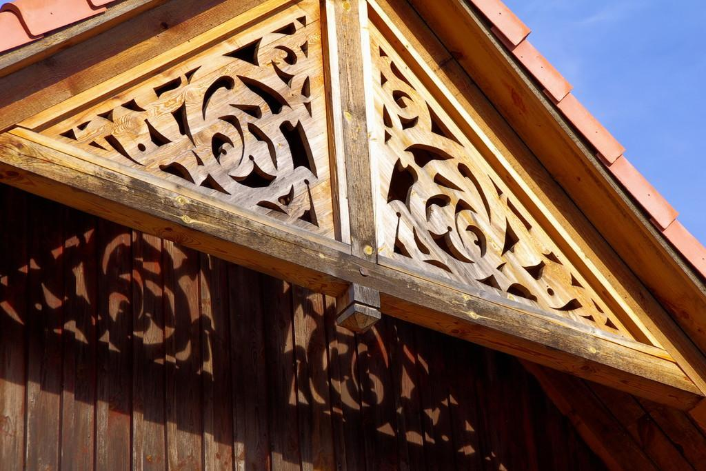 Lace gable decorations