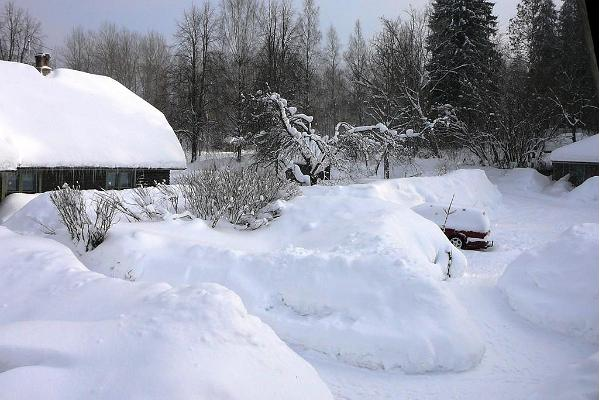 Extreme snow conditions in 2011