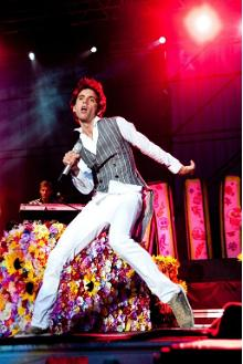 Pop Singer Mika to Perform at Summer Beer Fest