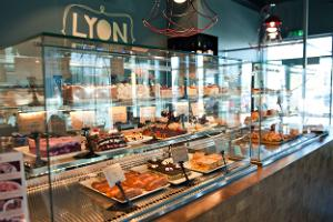Cafe Lyon in Meistri street