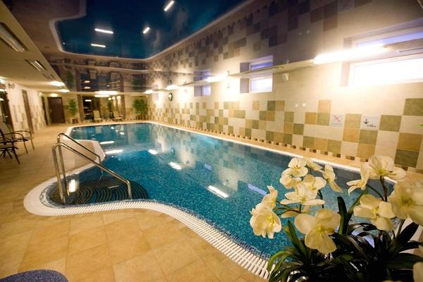 Hotelli Rocca al Mare Day SPA