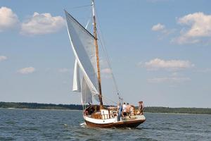 Cruises with an old wooden yacht Runbjarn