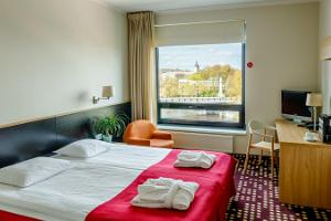 Superior room with a view to River Emajõgi