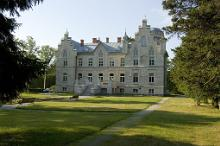 Versatile Manor Tour in West Estonia and on the islands
