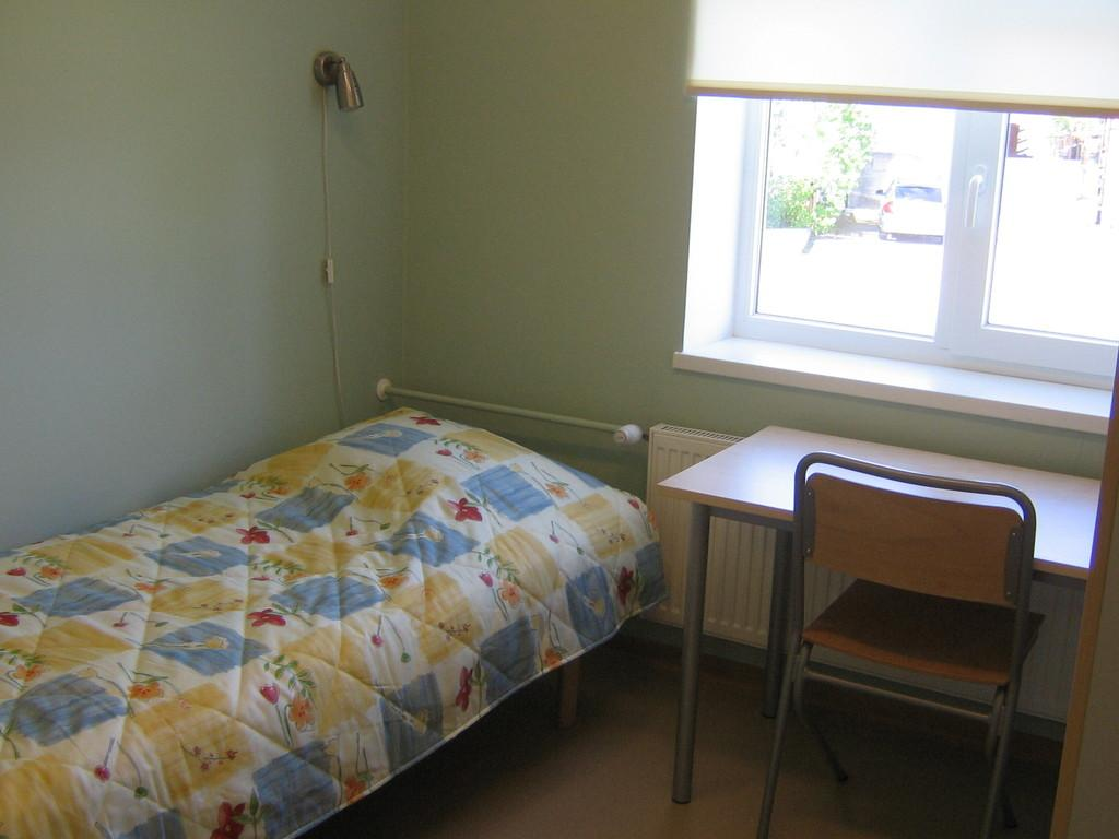 HKHK Summer hostel room
