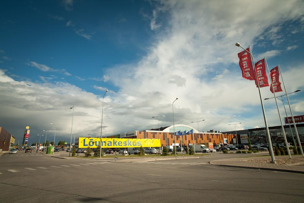 Lõunakeskus shopping and recreation centre