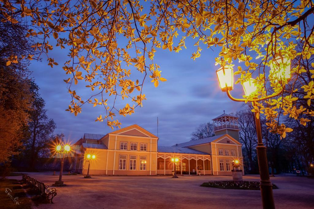 Kuursaal at night