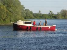 Boat trips on Lake Vrtsjrv on the Lepatriinu (Ladybug)