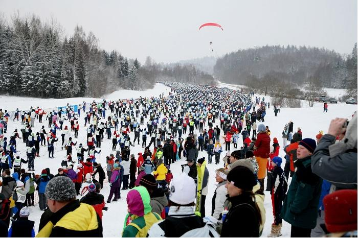 Best Long Distance Skiers Start on Tartu Maraton