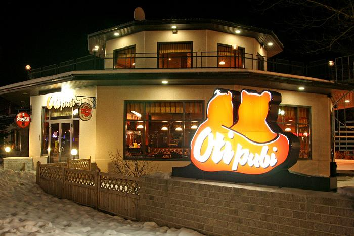Oti Pub – Exterior in Winter