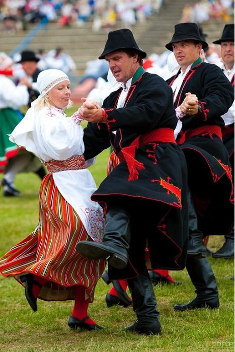48th Europeade 2011 brings folk dance groups from all over Europe to Tartu