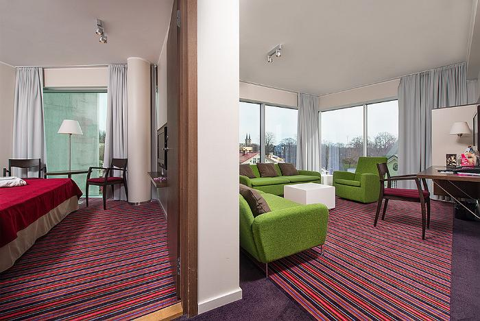 Meriton Grand Conference & Spa Hotel - standard two-room suite