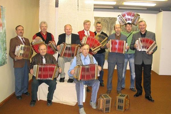 Musicians on the 110th anniversary of Teppo