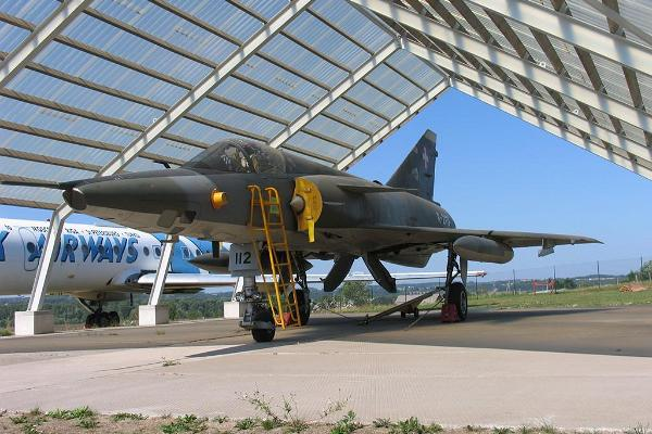 Fighter aircraft Mirage III RS