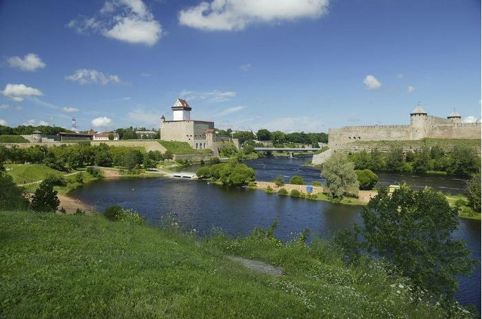 Historical Swedish-Russian Battle Reenacted at Narva Fortress