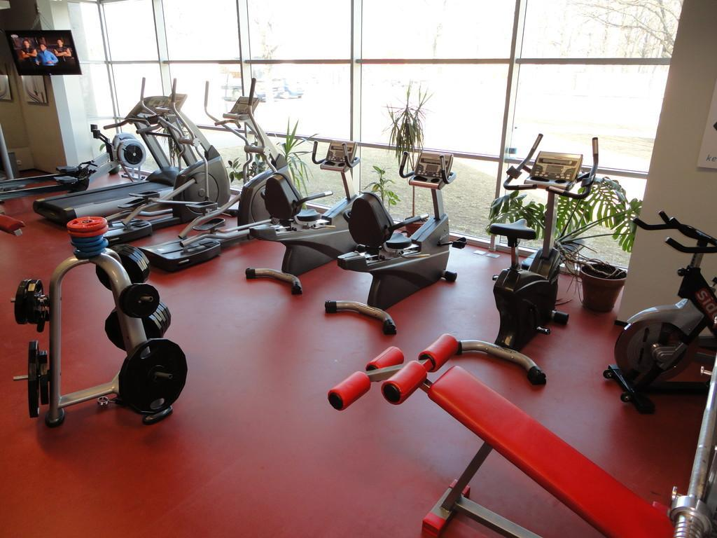 Sports clubs and fitness halls of Lugansk