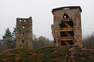 Mediaeval entertainment centre in the Vastseliina Episcopal Castle, ruins of the fortress