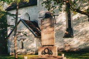 The monument of freedom war in the Järva-Madise church garden