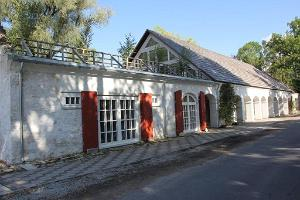 Culture Barn of the Ingliste Manor