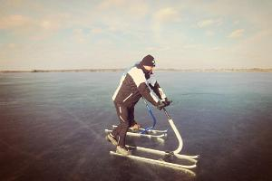 Kick sledge trips on Lake Peipus