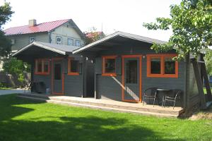 2 new cottages in the courtyard