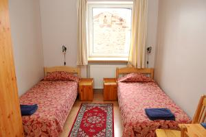 Twin room with two beds