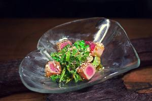 Grilled tuna salad with lime-coriander sauce