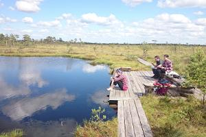A wholesome meal by a bog lake in Soomaa National Park