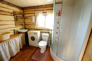 Holiday Home, toilet and shower
