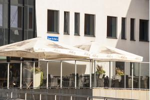 Hestia Hotel Seaport, cafe terrace in the summer