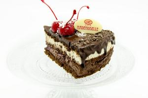 Cafe Mademoiselle Cherry cake