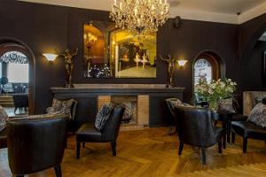 "5 Sterne Hotel ""St. Petersbourg"""