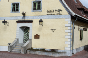 Guided walking tours around the Old Town of Pärnu