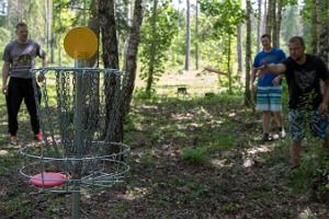 Disc-golf at the active vacation centre of Järve Farm