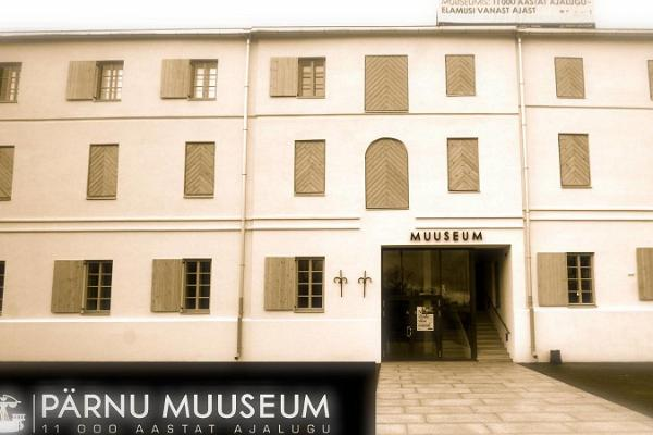Guided tour of the Pärnu Museum