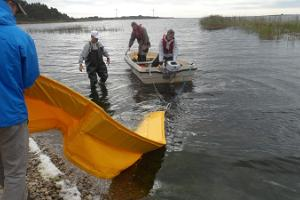 Spill response exercise at Paatsalu harbour