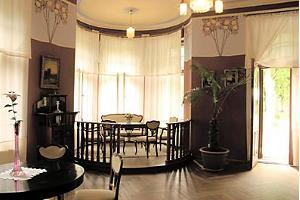 Ammende_Roter Salon