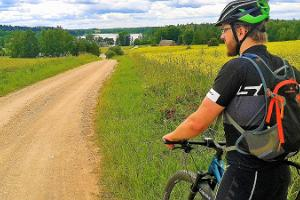 Sunday bike trips on gravel roads in southern Estonia