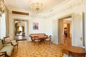 The reception hall of Kernu Manor is a suitable venue for festive receptions and rich buffets