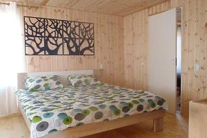 Tsirguliina Holiday House, double bed