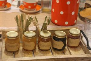 Honey workshop on the Onion Route
